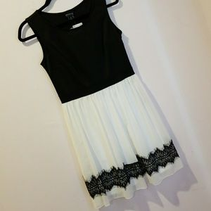 Black and white dress BRAND NEW